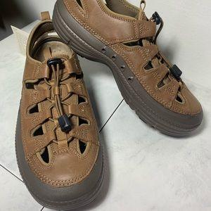 KAYAK Worldwide Sportsman shoes